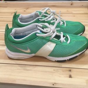 Nike Zoom Midfit - green women's size 7
